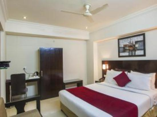 Anr Hotels Lucknow Lodge Reviews Photos Rate Comparison Tripadvisor