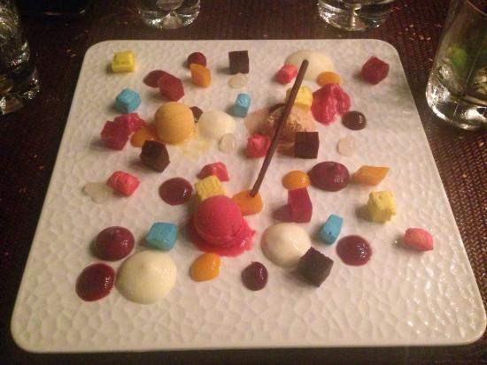 T8 Restaurant and Bar: Described as an anarchy of ice cream... Better presentation than flavor, was quite ordinary