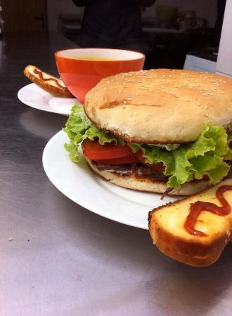 Hostal Amerindia Patagonia : Amazing sandwiches!!!