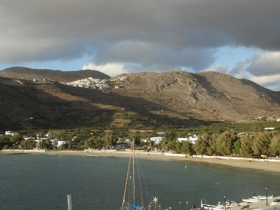 Apollon studios: view of the beach and Tholaria