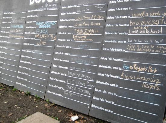 LIZA: Lock wall in london