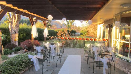 Brookside Mountain Mist Inn: Perfect place for a wedding.