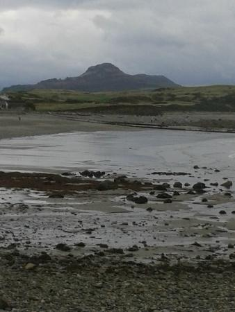 George IV Hotel: view from beach