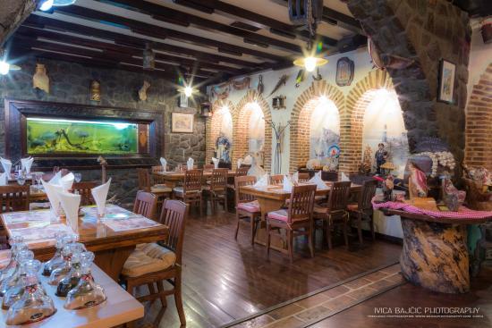 Konoba Tarsa: Aquarium room
