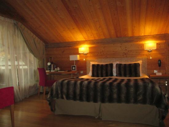 Hotel Au Coeur du Village: notre chambre