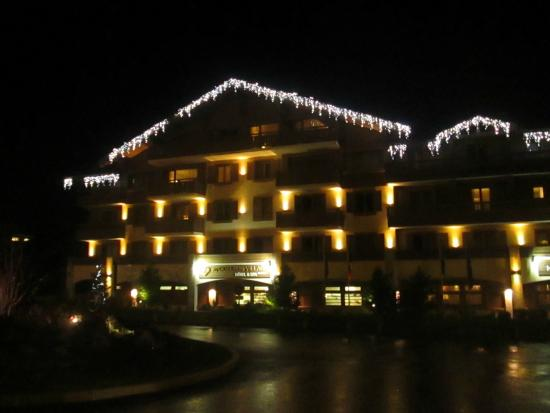 Hotel Au Coeur du Village : notre hôtel paré de lumieres