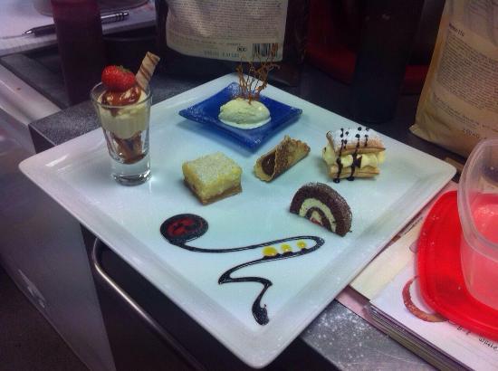 El Matador Restaurant: El Matador Dessert Platter to Share !