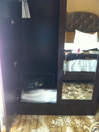 Tv Inside The Bathroom Mirror Picture Of River City Casino Hotel Saint Louis Tripadvisor