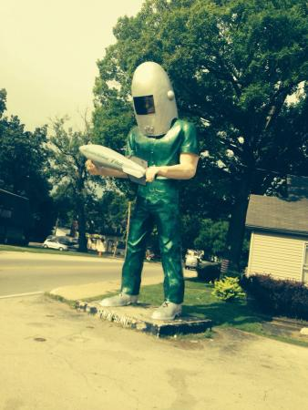 Wilmington, IL: Route 66 Gemini Giant..