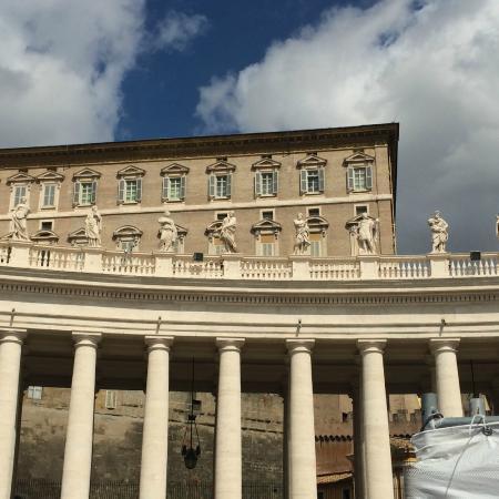 Finestra dove si affaccia il papa foto di piazza san - Finestra del papa ...