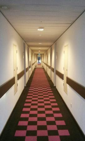 Van der Valk Hotel Amersfoort A1: Pasillo habitaciones