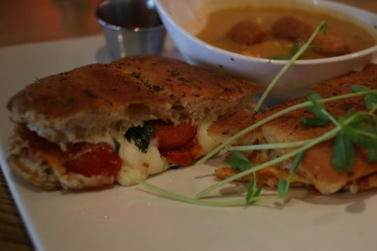 Byron Freehouse: Line Cook's Grilled Cheese