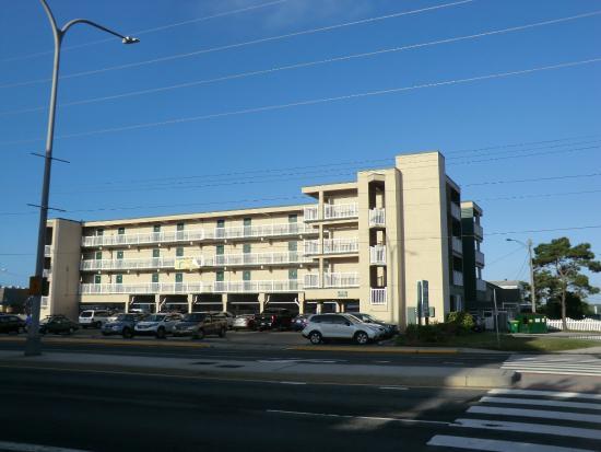 Sea Esta Motels III: Hotel