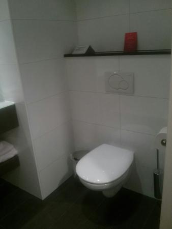 Van der Valk Hotel Amersfoort A1: Lavabo