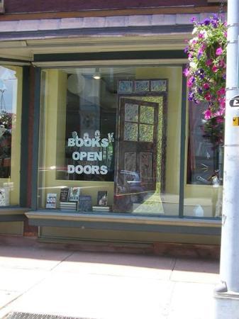 Market Block Books: Books Open Doors