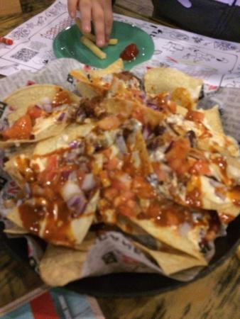 Hurricane Grill & Wings: chili and cheese covered nachos