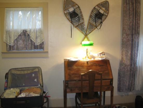 School House Inn Bed & Breakfast: More Antiques