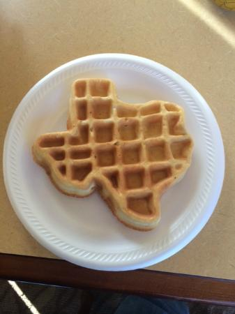 Comfort Suites North IH 35: Texas waffles made fresh.