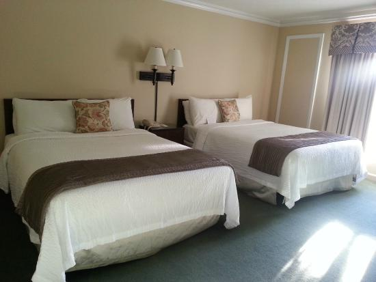 Meadowbrook Inn: Comfortable beds!