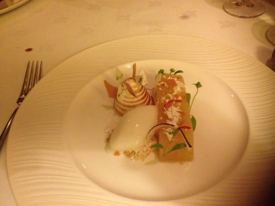 Driftwood Hotel: The perfect spicy pineapple dessert
