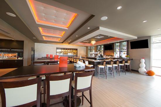 Davenport Ia Hotel Restaurant