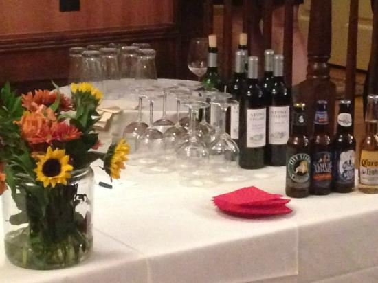 Old Lyme Inn: Private bar for our event.