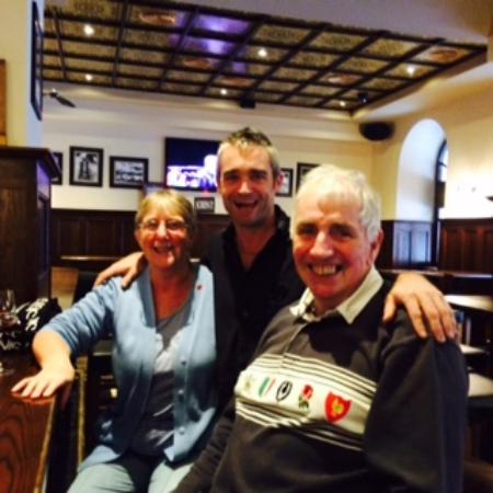 Ma Nolan's Vieux Nice : Socialising in the bar with our host