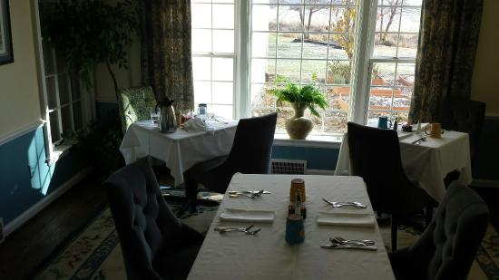 HideAway Country Inn: Breakfast nook