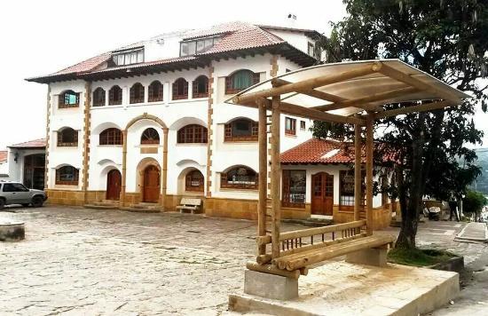 Guatavita, Colombia: Hotel el dorado, fachada