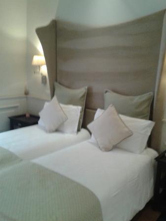 Camera doppia picture of hotel bologna verona tripadvisor for Pirolitica doppia camera