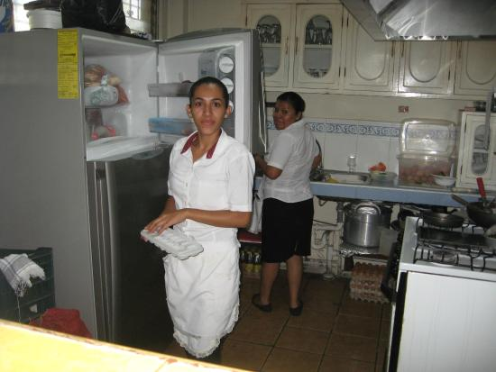 Hotel Villa Florencia: Dinning room staff