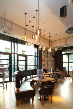 All Bar One: Cosy spacious design