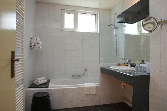 Les Portes de la Vallee : salle de bain