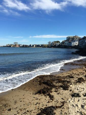 Rockport, Μασαχουσέτη: Front Beach high tide