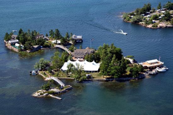 Gananoque, Canadá: Island Homes