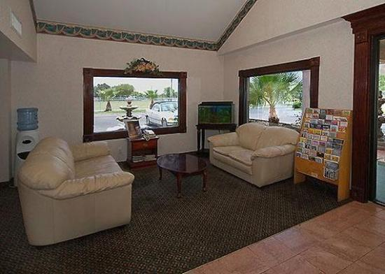Rodeway Inn Corpus Christi: Lobby