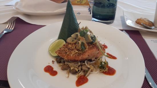 هوتل سيبوترا جاكارتا: Salmon with Coconut by Chef Kelana
