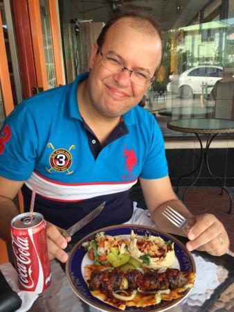 Sahara Arabic Grill and Falafel: Comida árabe.