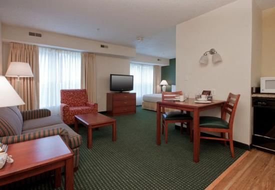 Residence Inn Tulsa South: Accessible Studio Suite