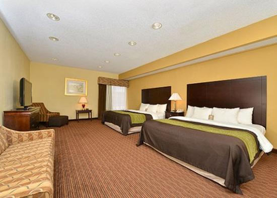 Comfort Inn & Suites: Room