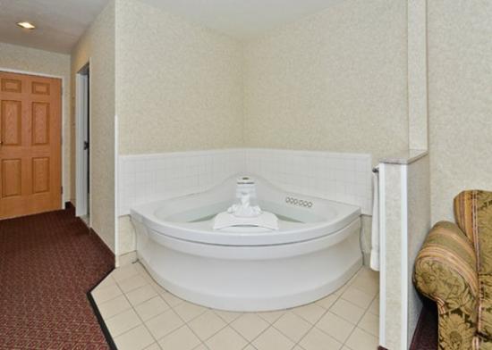 Comfort Suites Airport In Room Hot Tub