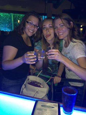 Latitude 360: drinks at the bar