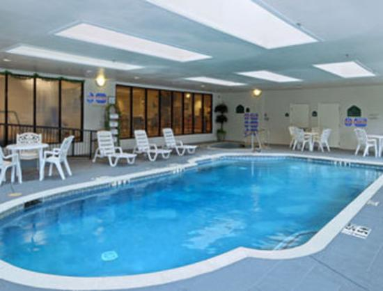 Wingate by Wyndham Dallas Love Field: Pool
