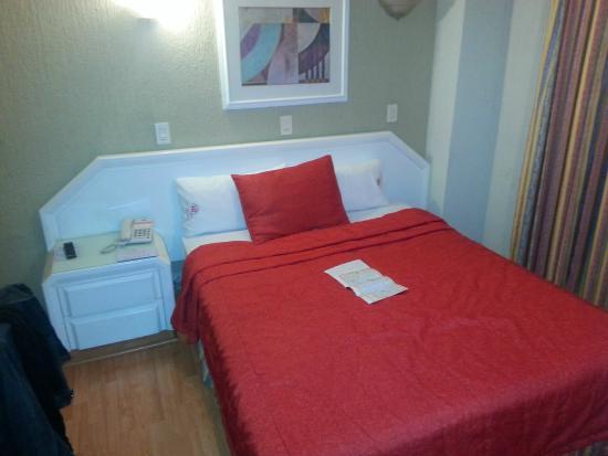 Hotel Regente City: Habitacion