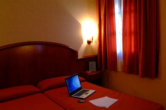 Hotel la Masia del Cadet: 1 of the 12 rooms