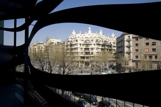 Suites Avenue: Deluxe Pedrera View