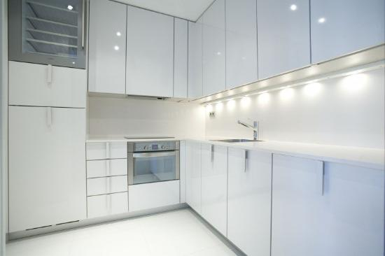 Suites Avenue: Kitchen 2