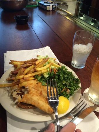 Ted's Montana Grill: Fish sandwich