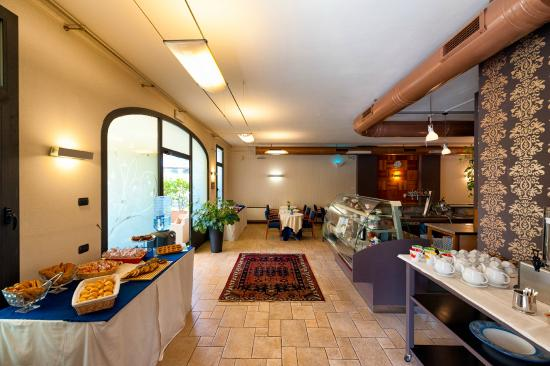 Hotel San Giacomo Sport&Relax: sala colazione - bar