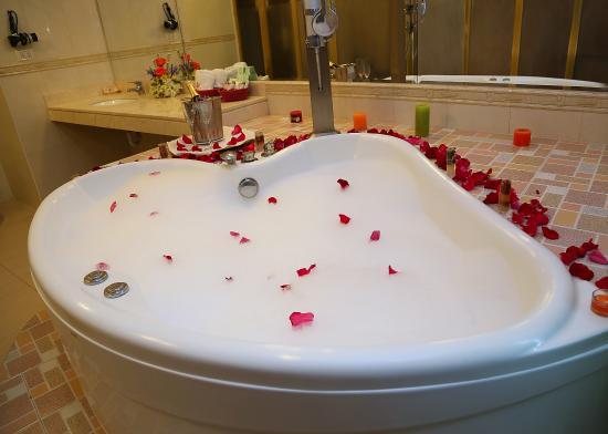 Hotel La Princesa: Suite con Jacuzzi